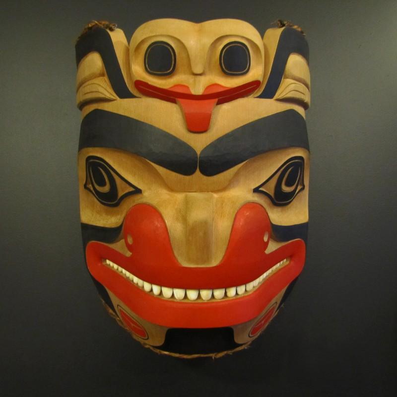Haida-Bear-and-Frog-Mask-002