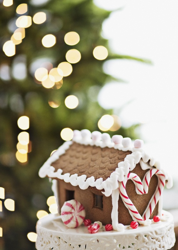 christmas-party-ideas-gingerbread-1533916806
