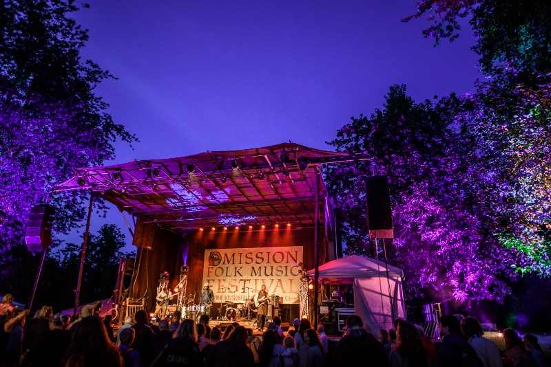 Exclusive-MFMF-Stage-at-night-Dale-Klippenstein-Tourism-Mission