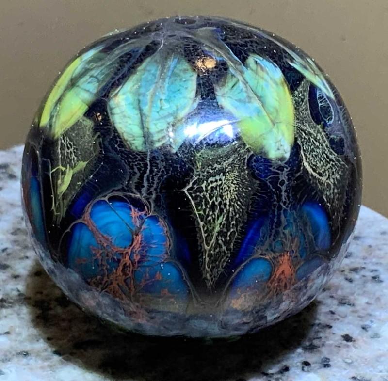 Pandoras-garden3-blown-glass-sphere-Flow-Studio-Designs-Diane-Brinton