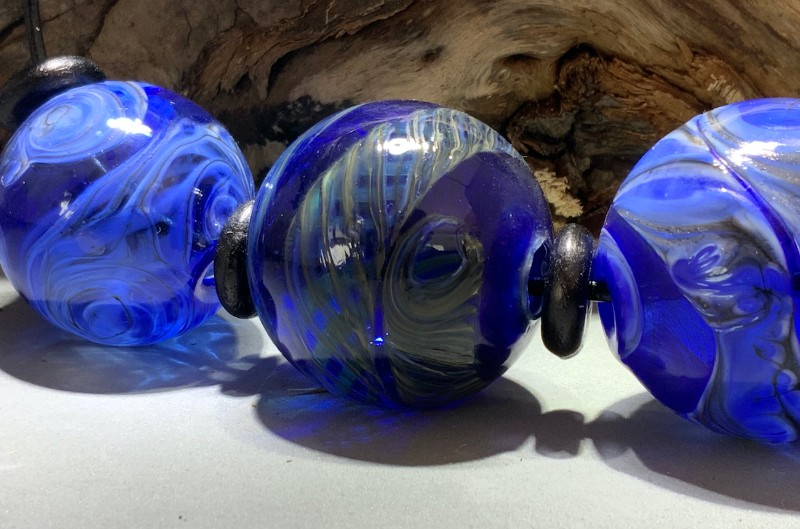 Signals-2-blown-glass-hollow-beads-flow-studio-designs-diane-brinton